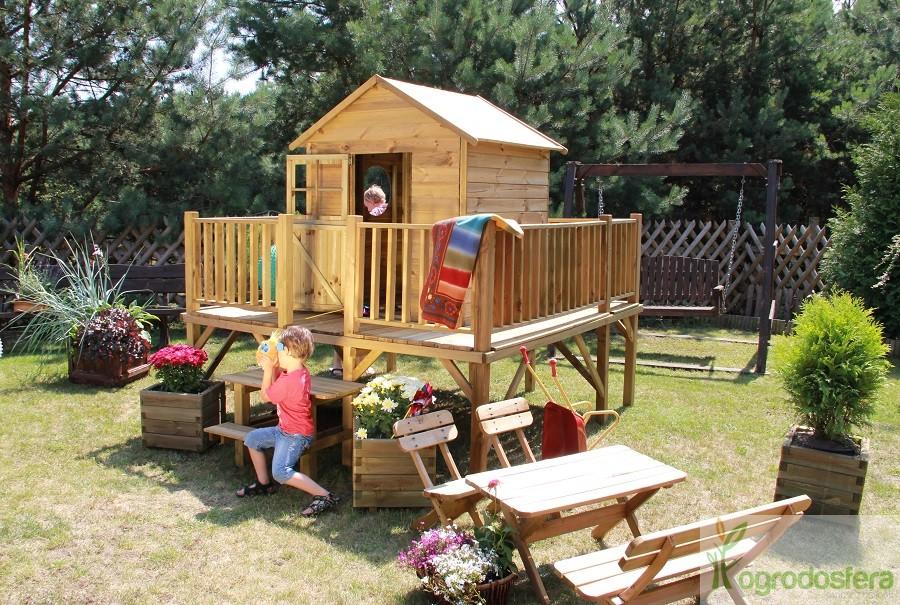 domek dla dzieci z platformą